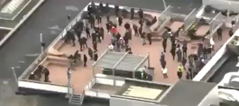 """on The Roof of """"Ubisoft"""" Company .. Canadian police are dealing with the hostage-taking incident in Montreal"""