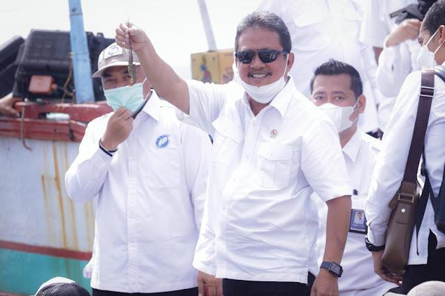 Sakti Wahyu Trenggono Beberkan Pelarangan Resmi Ekspor Benih Bening Lobster.lelemuku.com.jpg