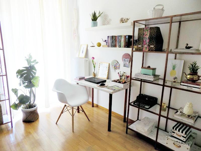 Desk office corner