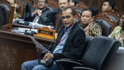 Ahlinya 'Ditelanjangi', BW Tantang Ahli Jokowi Tunjukkan Kepantasan