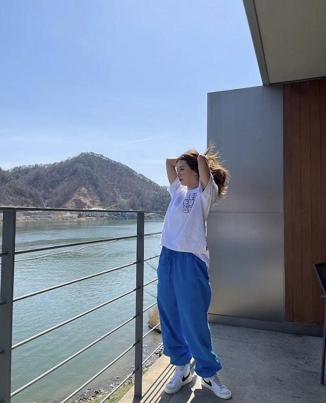 Knetz crazily in love with RED VELVET Seulgi's amazing visual in Instagram update.