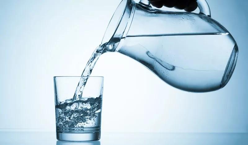 Minum banyak Air