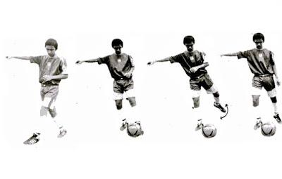 Menendang bola futsal dengan punggung kaki bagian dalam