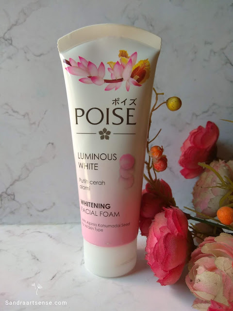 Review Poise Luminous White Whitening Facial Foam