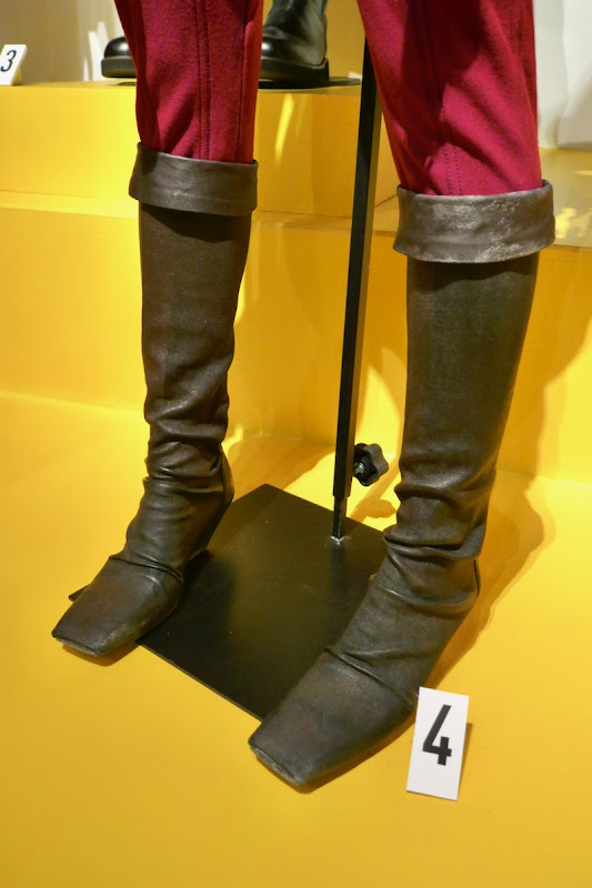 Zorii Bliss boots Star Wars Rise of Skywalker