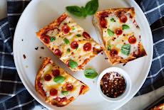 وصفة سريعة وسهلة بيتزا بالخبز الفرنسي