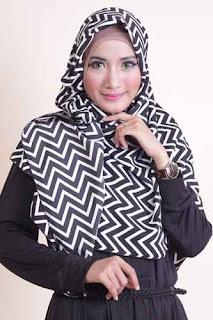 Shafeeya Segi Empat Veby - Black