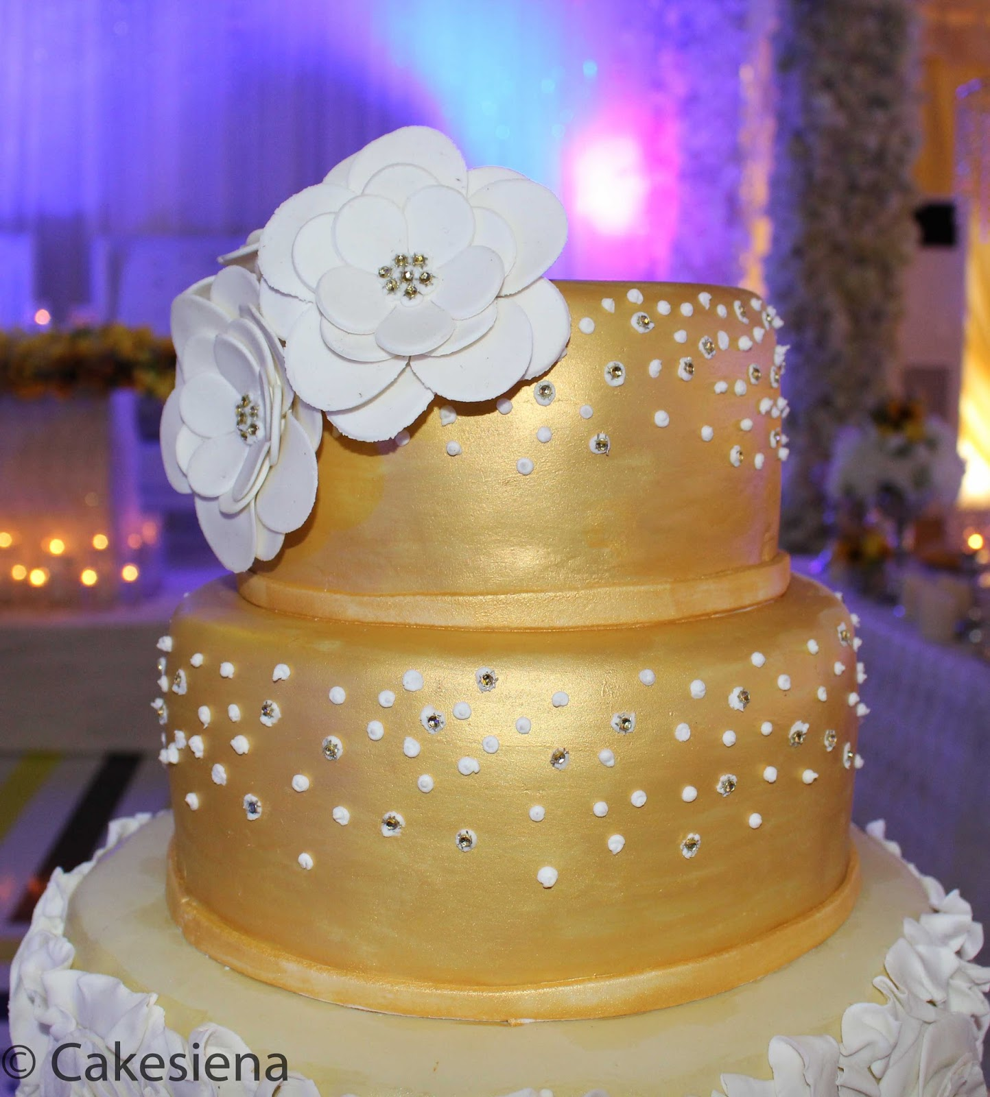 Cake Factory: White and Gold Wedding Cake