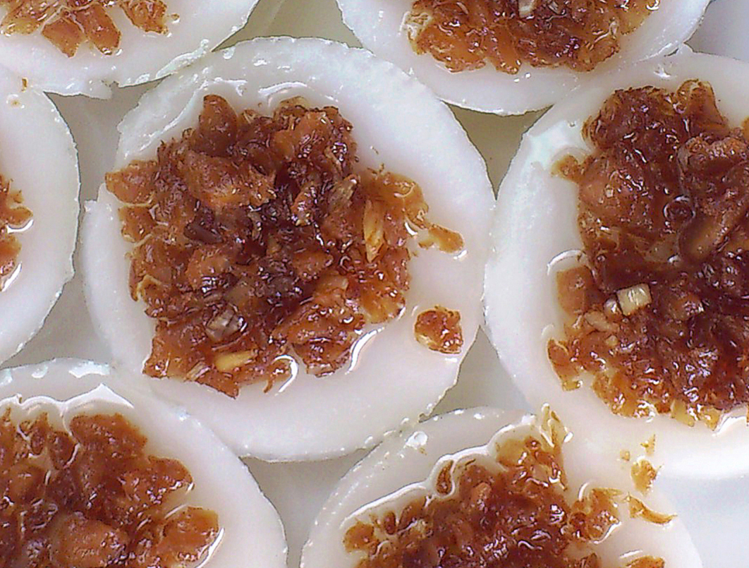 chwee kueh with chai poh topping