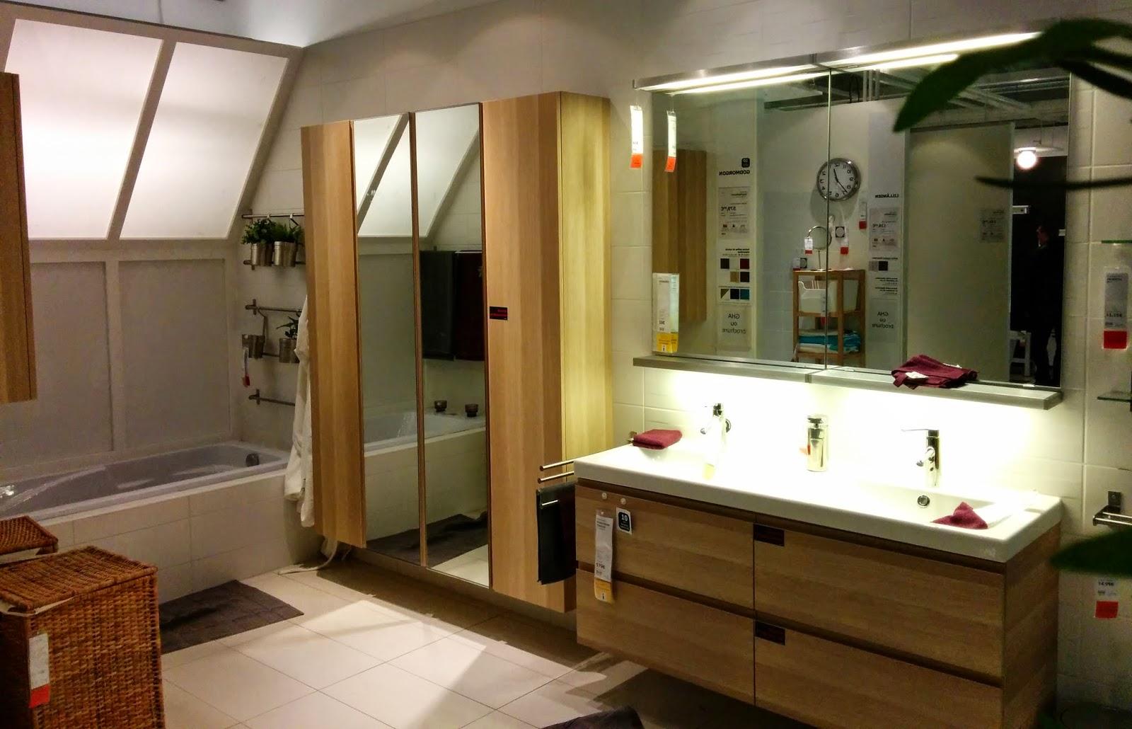 r novation d 39 une salle de bain de 10 m inspiration de salle de bains petits prix. Black Bedroom Furniture Sets. Home Design Ideas