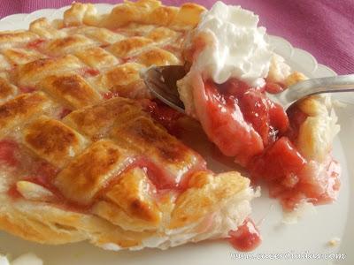 Tarta de fresas y almendra (Fácil)