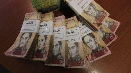 Billetes de 100 Bs ahora son válidos hasta Mayo