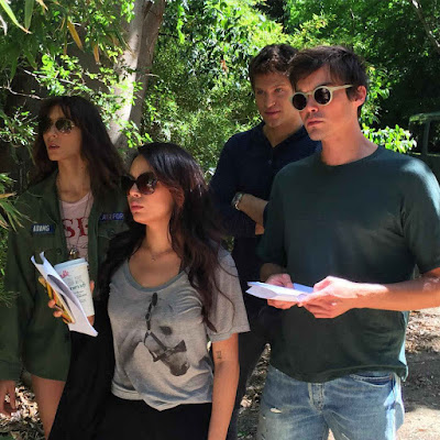 PLL cast bts filming episode 7x01 Janel Parrish, Troian Bellisario, Tyler Blackburn and Keegan Allen