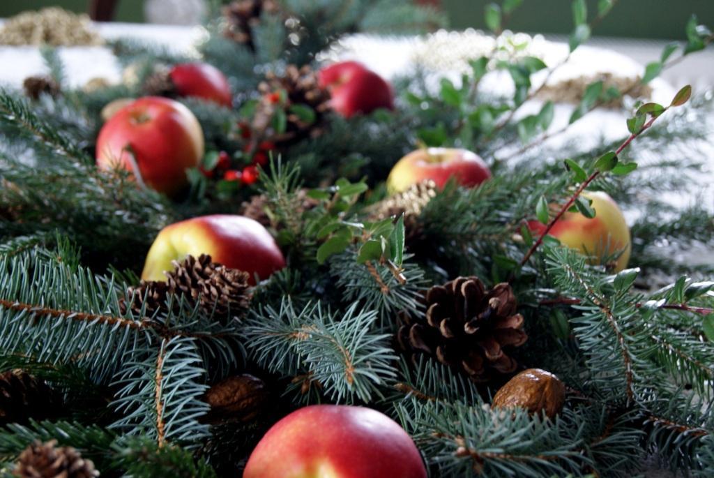 Zielony Kuferek: Dom jabłkami...