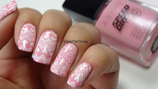 Girly Christmas Sweater Nail Art