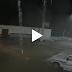 Vídeo exibe imagens de mulher desaparecendo em noite chuvosa e intriga moradores