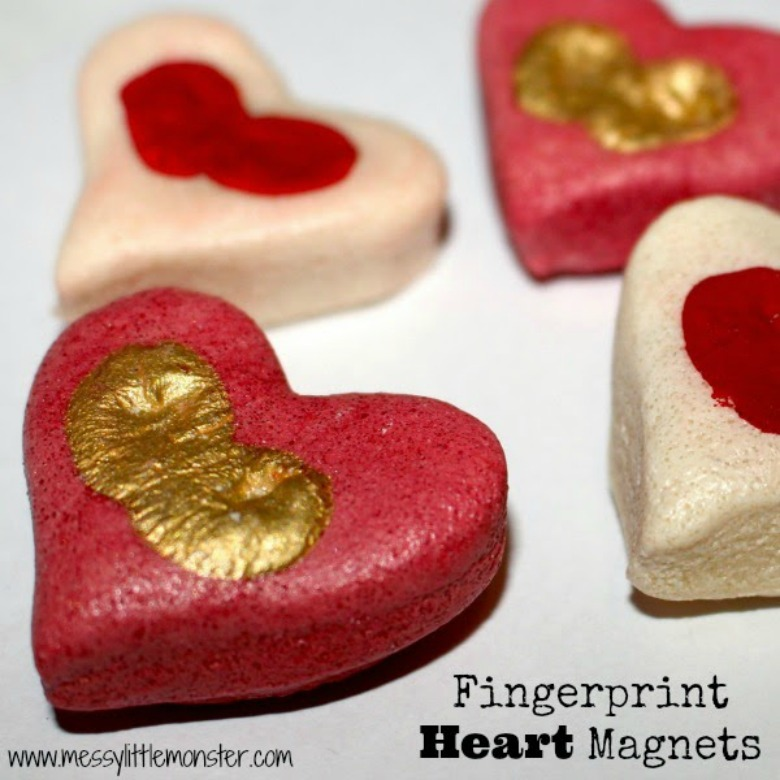 fingerprint heart preschool valentine craft