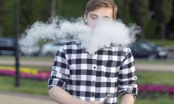 Cases of Severe Lung Injury After Vaping Reported in Minnesota, Illinois, Wisconsin