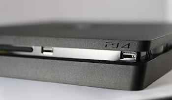 PS4 Slim Oyun Konsolu Çıktı