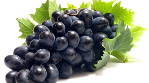 grapes help you to protect from sun stroke in summer