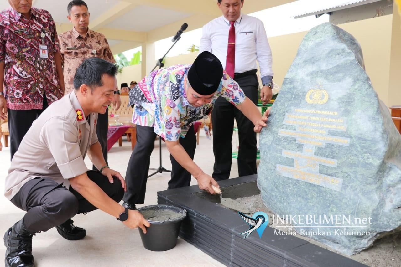Bersama Kapolres, Bupati Kebumen Resmikan Gedung Sat Reskrim Polres Kebumen