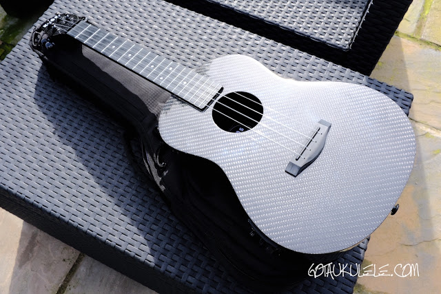 Klōs All Carbon Tenor Ukulele