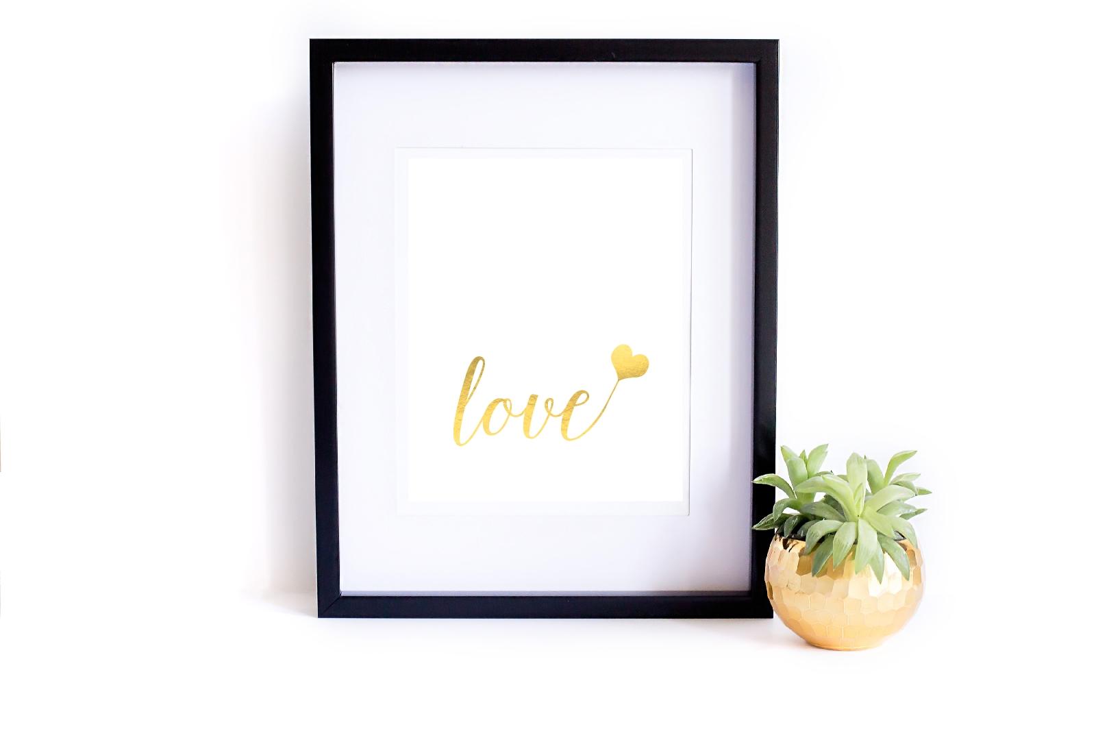 9 pięknych, miłosnych plakatów do druku {wszystkie do pobrania za darmo}