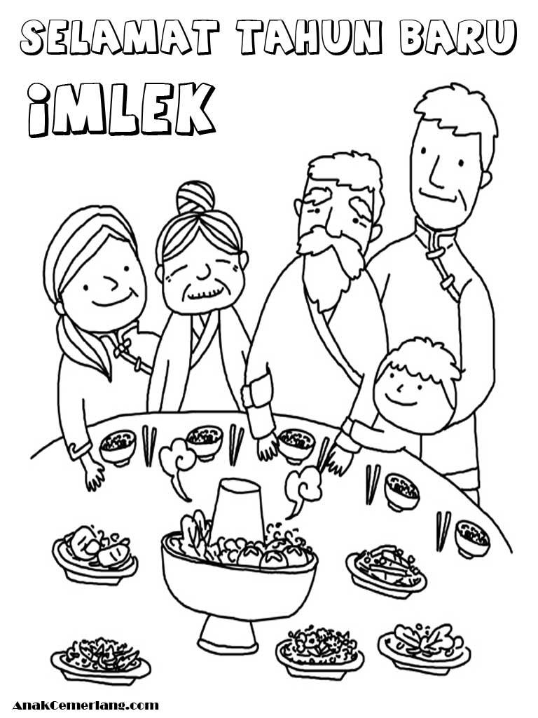 mewarnai makan bersama keluarga saat perayaan imlek