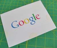 Hoja con el logo de Google