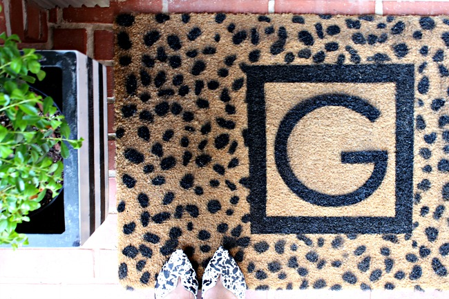 DIY, tutorial, custom monogrammed door mat, cheetah spots stencil