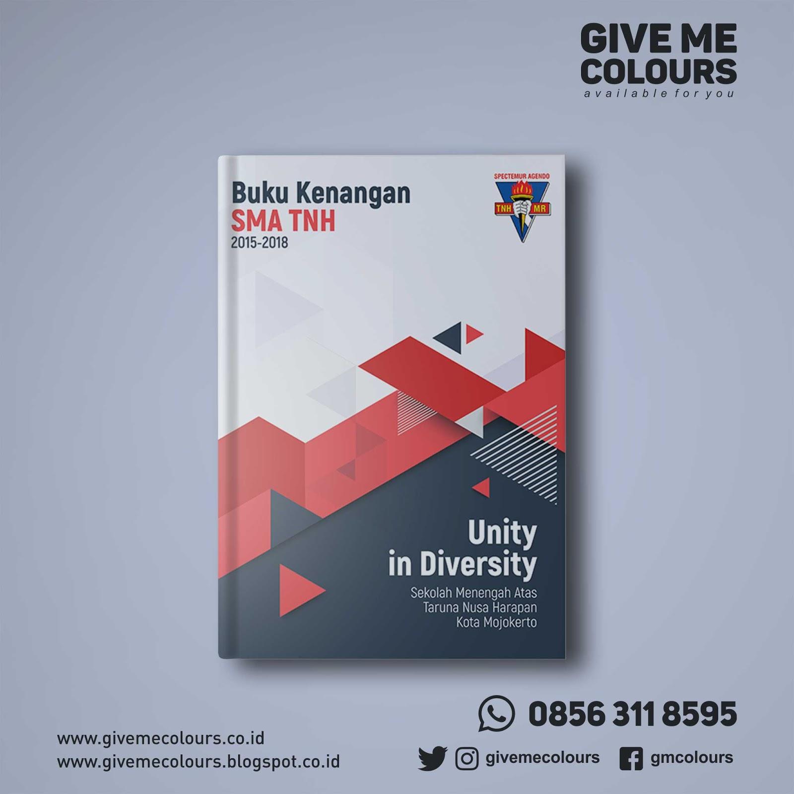 Desain Cover Buku Tahunan Sekolah