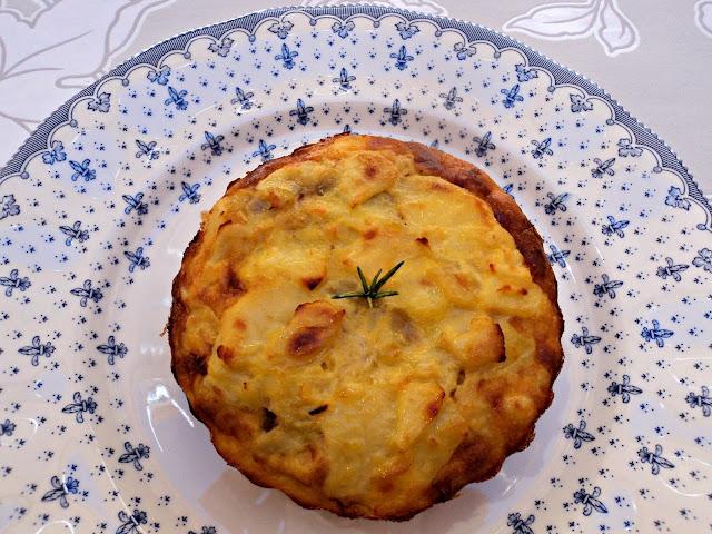 tarta-tortilla-patatas-rellena-foto-entera