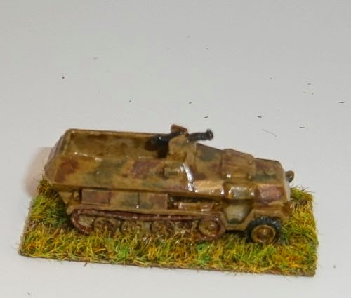 Late War German Artillery And Vehicles Pictures 11