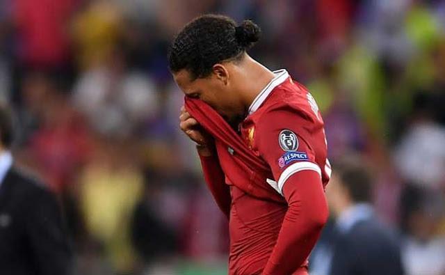 """Liverpool liên tiếp """"chết hụt"""" vẫn số 1 Ngoại hạng Anh, Van Dijk là nguyên nhân?"""