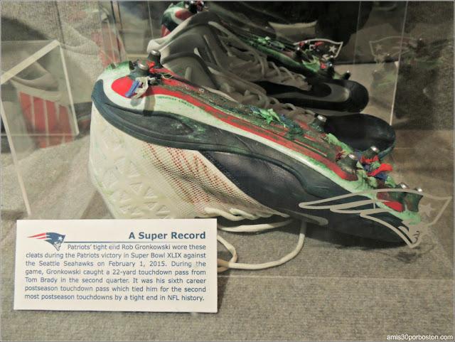 Botas de Rob Gronkowski en el Museo de los Patriots