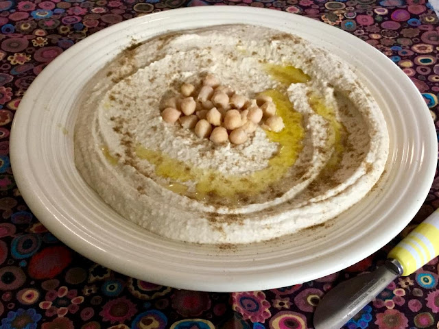 creamy homemade hummus www.realfoodblogger.com