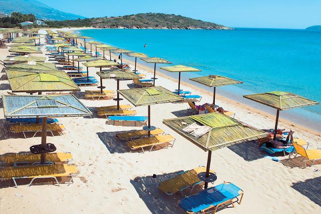Διατίμηση των προϊόντων και στις οργανωμένες παραλίες όπως στα πλοία ζητά η ΕΚΠΟΙΖΩ