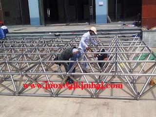 201808181646 gkg inox 304 chau d100 khop  Cột cờ inox 304 cao 9m 10 m 11m 12m, cổng xếp inox 304 , cổng xếp sắt không ray kéo tay