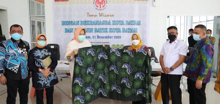 Pelajari Batik Batam, Ketua Dekranasda Kabupaten Karimun Kunjungi Dekrasnasda Kota Batam