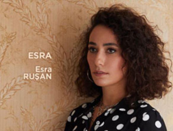 Masumlar Apartmanı Dizisi Esra Kim? Gerçek Adı