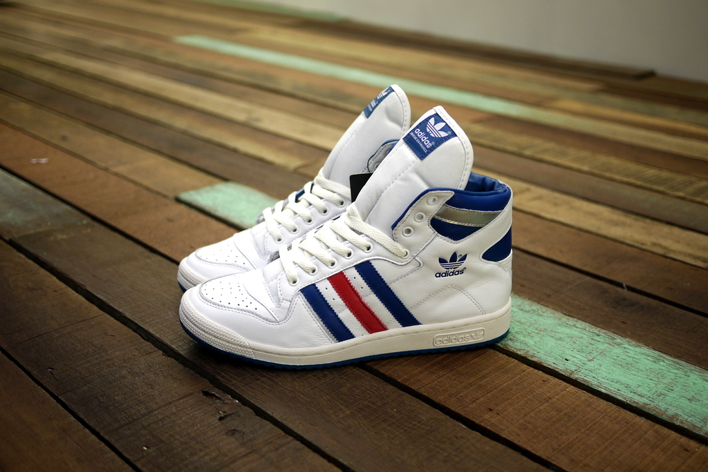 reputable site 80b9a d722d Concue en France aka design in France, this Adidas Originals Decade Og Mid  WhiteLone Blue have arrived in both of our boutiques.