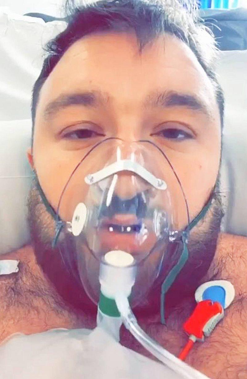 Dramático llamado de un británico de 29 años desde una sala de urgencias