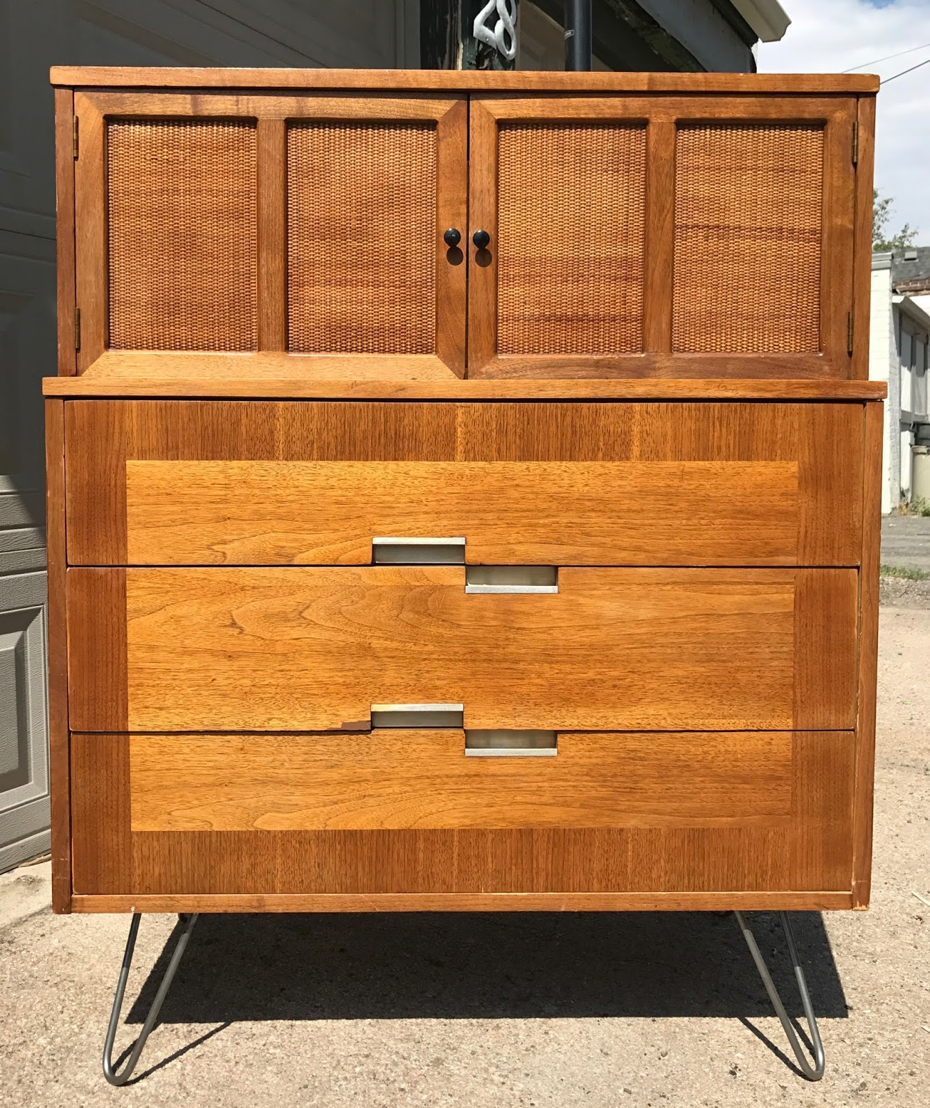 Great Mid Century Dresser By American Of Martinsville With Clic Silver Inlays And Recessed Drawer Pulls 45 X 19 36 Everything Works Well