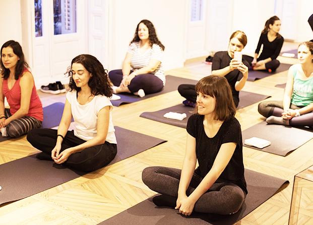 Clase de yoga con Kenzoki