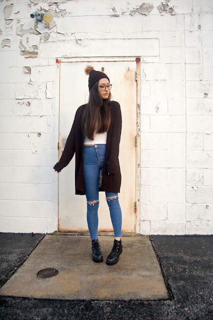 Black and Blue Outfit Blogger