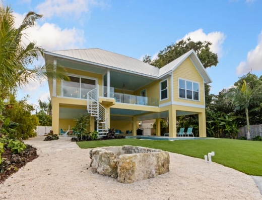 Anna Maria Island Florida Home Tour Interior Decorating Ideas in Turquoise Green and Yellow