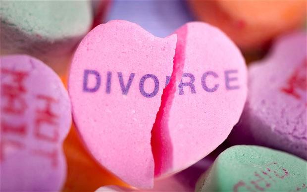 un corazón roto por consecuencias del divorcio