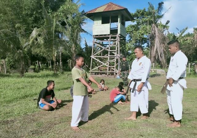 Satgas Yonif 512 Latih Anak-anak di Perbatasan Karate Sejak Dini