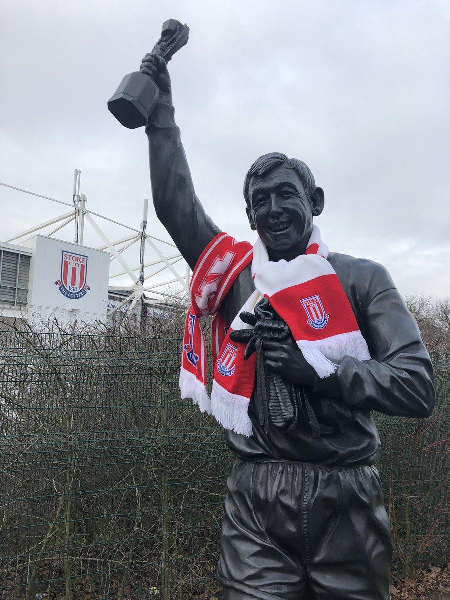statua gordon banks stadio stoke city