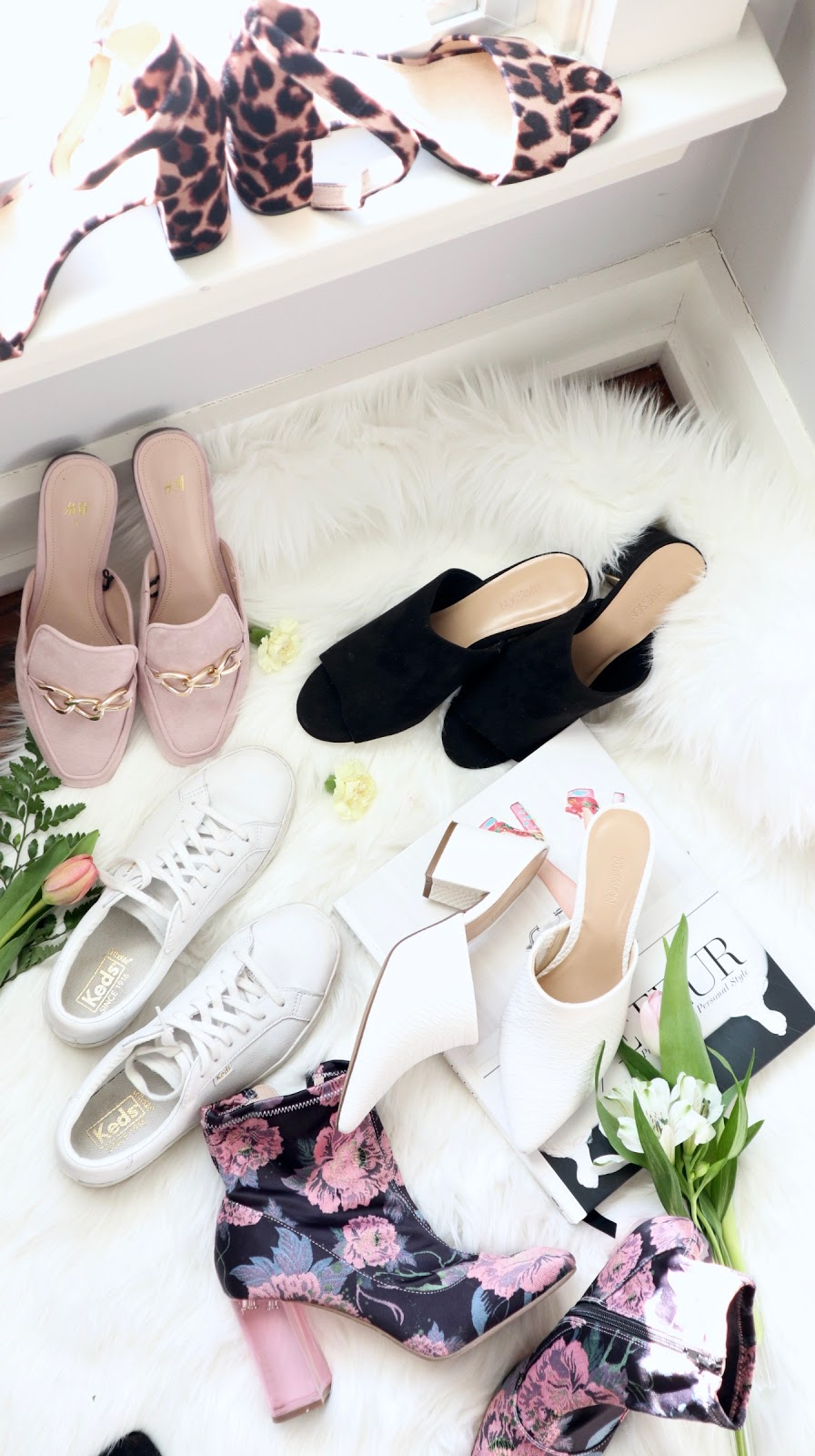 Pastels & Pastries, toronto blogger, spring shoes, mules, slides, white sneakers